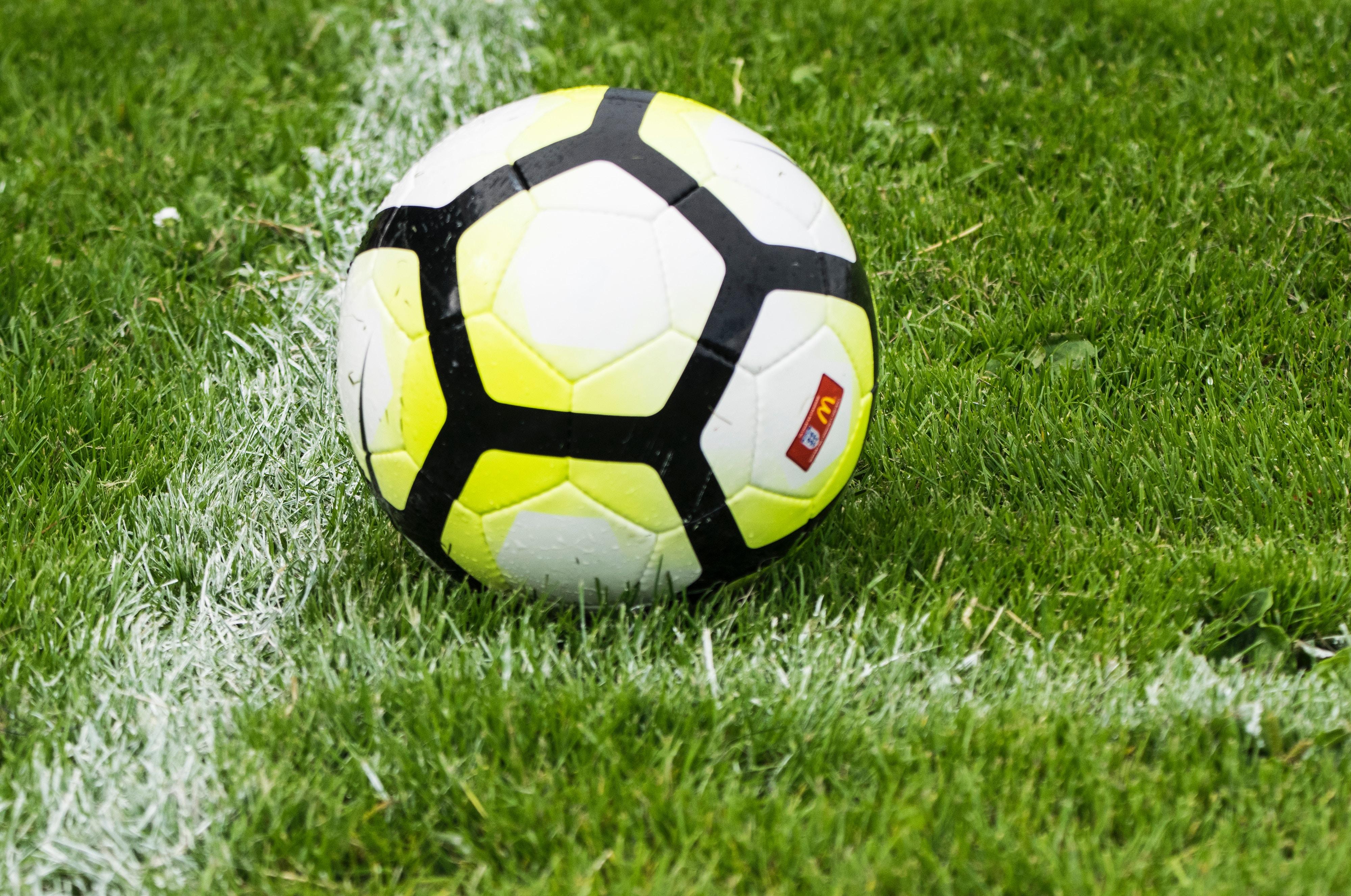 Peutervoetbal (voor kinderen van 2 – 4 jaar)